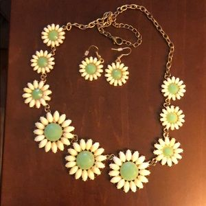 Teal and white daisy necklace and earrings